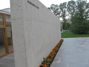 Neubauer Plaza