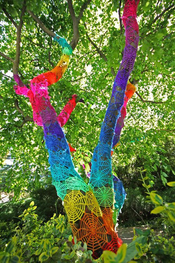 art-yarn-bombing-guerrilla-crochet